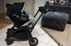 Orbit g3 car seat and base for Sale in Le Grand, CA