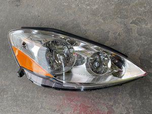 2006-2010 Toyota Sienna RH right Halogen Headlight for Sale in Los Angeles, CA