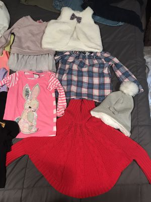 30 piece 3T girl clothing/clothes bundle w/ pair of shoes/boots for Sale in Murrysville, PA