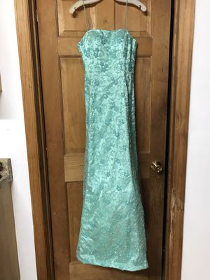 Prom dress size 6 for Sale in West Newton, PA
