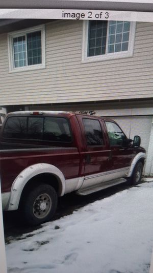 2000 Ford truck F350 7.3 diesel rear drive manual transmission for Sale in Glendale Heights, IL