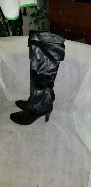 Free boots. Pleather starting to peel for Sale in Lower Lake, CA