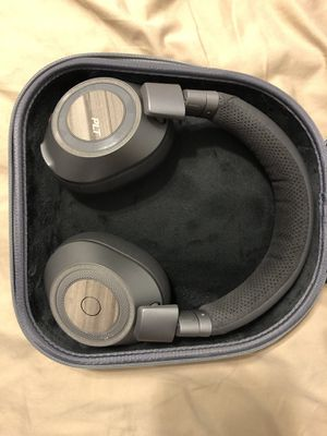 Plantronics noise cancelling Bluetooth headphones for Sale in Tampa, FL