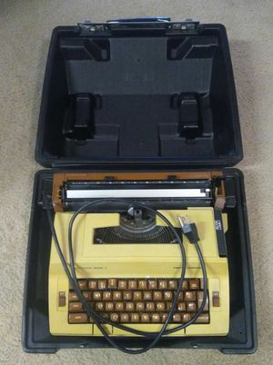 Smith-Corona Electric Typewriter for Sale in Las Vegas, NV