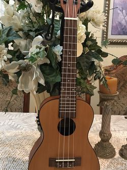 Mitchell MU50SE Electric Acoustic Concert Ukulele for Sale in South Gate,  CA