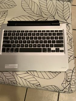 ZAGG BLUETOOTH WIRELESS KEYBOARD for Sale in Chicago,  IL