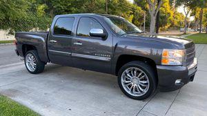 2011 Chevrolet Silverado lt for Sale in Fountain Valley, CA