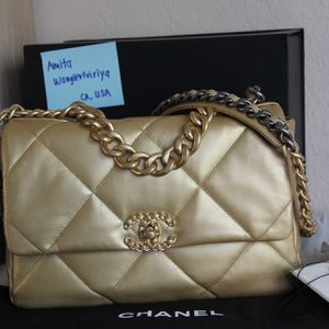 AUTH! Chanel 19 Flap Bag for Sale in Hawthorne, CA
