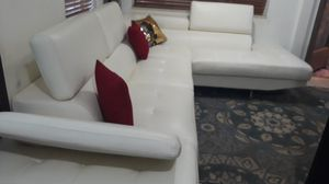 IN GREAT CONDITION SECTIONAL WHITE IN L. DELIVERY SERVICE AVALAIBLE for Sale in HALNDLE BCH, FL