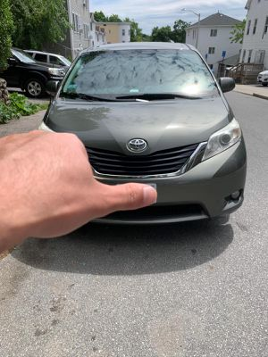 Toyota Sienna 2011 LE for Sale in Worcester, MA