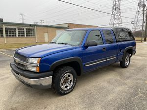2004 Chevy Silverado 4x4 for Sale in Bensenville, IL