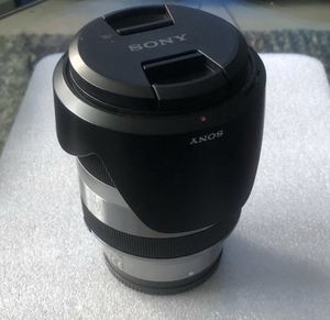 Sony Alpha 18-200 SEL18200 E Mount Lense for Sale in Chicago, IL