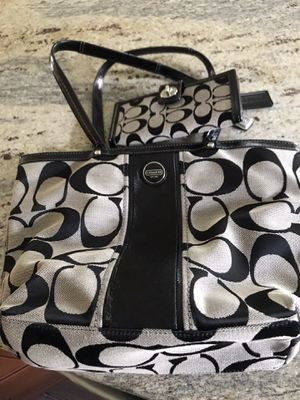 Coach Light Beige and Black Purse with Matching Wallet for Sale in North Port, FL