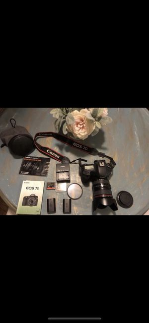 Canon 7D with lenses and extra 2 batteries cards glass protector for Sale in Los Angeles, CA