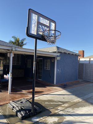 Basketball hoop for Sale in Hawthorne, CA