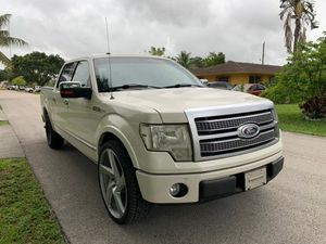 Mint 2010 FORD F-150 PLATINUM CREW CAB/ Panoramic roof, navigation, back up camera, lane control, parking sensors, fully loaded finance with passport for Sale in Miramar, FL