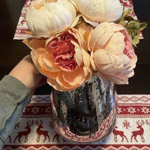 Beautiful Artificial Flowers W Pink Glass Vase for Sale in Fall River, MA