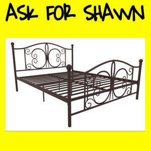 Queen Metal Platform Bed Frame for Sale in Dallas, TX
