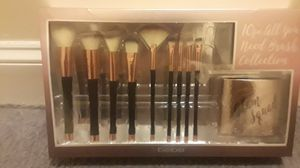 Makeup Brush Set for Sale in Baltimore, MD