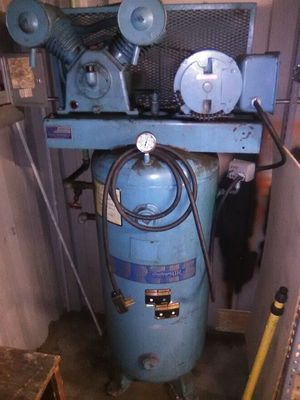 Challenge 60 gal shop electric shop air compressor for Sale in Spring Valley, CA