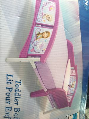 Frozen toddler bed for Sale in Richmond, KY