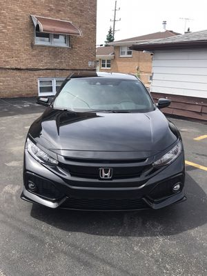 2017 Honda Civic hatchback sport touring for Sale in Burbank, IL