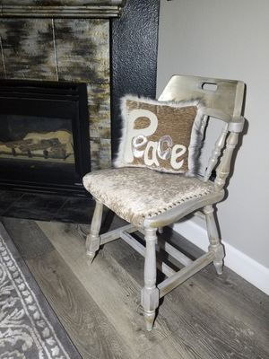 Sweet Vintage chair and pillow for Sale in Vancouver, WA