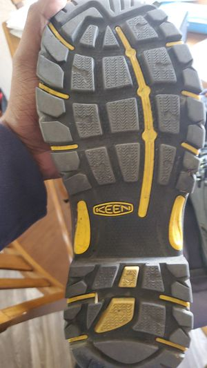 Keen work boots/with insoles and travel bag for Sale in Oceanside, CA