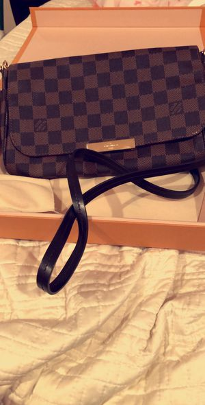 Excellent condition cross body favorite Louis Vuitton for Sale in Santa Ana, CA