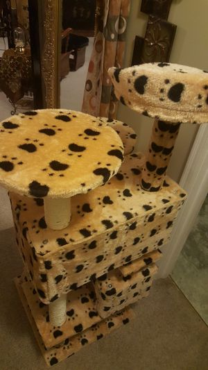 Brand new cat tower Perfect condition for Sale in Harrisonburg, VA