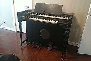 Vintage 1963 Hammond M-3 Organ for Sale in Las Vegas, NV