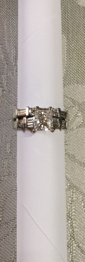 Robbins Brothers Platinum Princess Cut Engagement ring with Matching Band for Sale in Glendale, CA