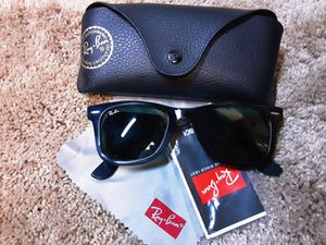 Authentic wayfarer Ray-Ban sunglasses for Sale in Fresno, CA