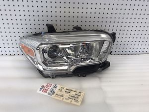 2016 2017 2018 2019 2020 TOYOTA TACOMA RIGHT SIDE HEADLIGHT OEM for Sale in Lynwood, CA