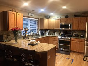 Kitchen cabinets with counters for Sale in Auburn, WA