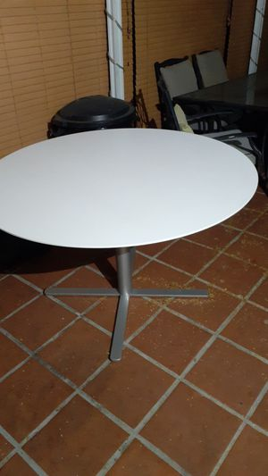 Kitchen table, patio table for Sale in San Lorenzo, CA