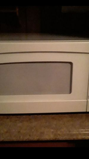 Big microwave Nice condition for Sale in Buffalo, NY