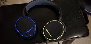 Arctis 5 steel series gaming headset for Sale in Orange Park, FL