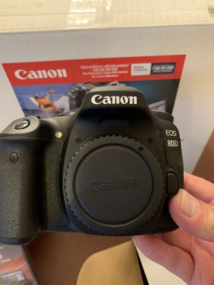 Canon EOS 80 D Digital SLR Camera Bundle Pack lots of extras 2 Lenses NEW NEW for Sale in Hesperia, CA