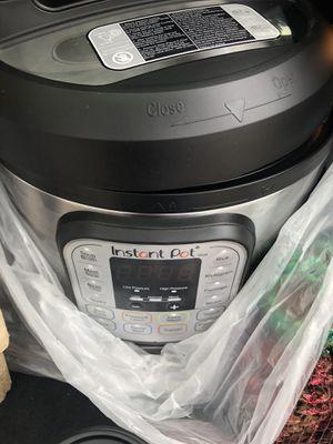 INSTANT POT DUO 60 V3 6 quart for Sale in Oregon City, OR