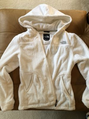 North face women's Oso Small hooded jacket all white for Sale in Reston, VA