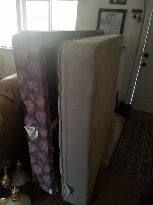 Mismatched mattress and box spring. Asking 50.00 for Sale in Sacramento, CA