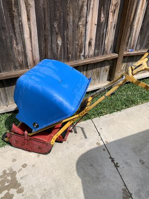 McClane lawn edger and lawn mower front thrown for Sale in Whittier, CA