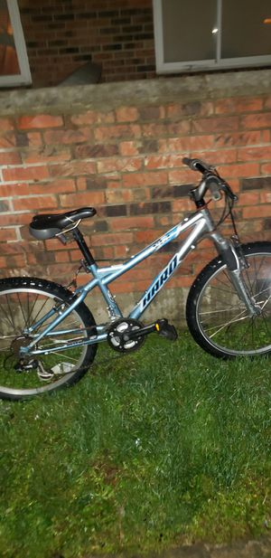 Mountain bike and racing bike for Sale in Columbus, OH
