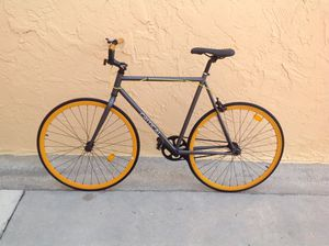 BICYCLE CRITICAL FIXIE SIZE-700 EXCELLENT CONDITION for Sale in Miami, FL