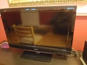 SHARP 32 INCH TV & MIRROR for Sale in Silver Spring, MD
