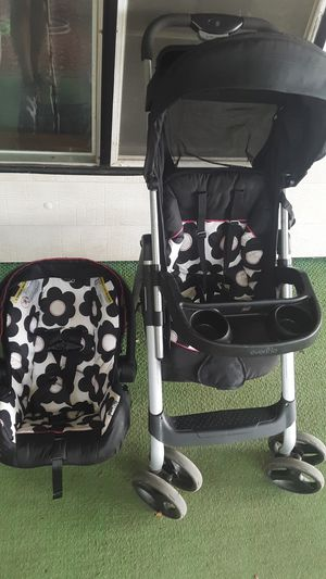 Evenflo infant car seat & stroller combo for Sale in Pensacola, FL