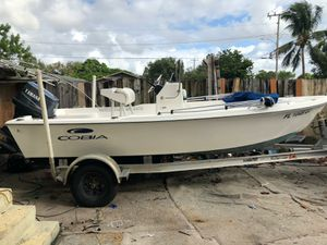 17 ft boat and 90 yamaha for Sale in Miami, FL