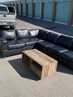 Sectional Couch With Coffee Table for Sale in Phoenix,  AZ