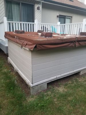 Hot tub.. for Sale in North Haven, CT